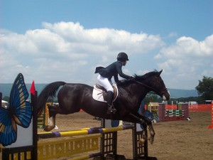Pendant le planer, regardez l'obstacle suivant pour préparer déjà votre cheval au tournant qui l'attend