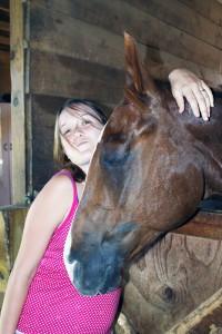 Avoir un cheval est le rêve de beaucoup de cavaliers... La demi-pension est une excellente alternative.