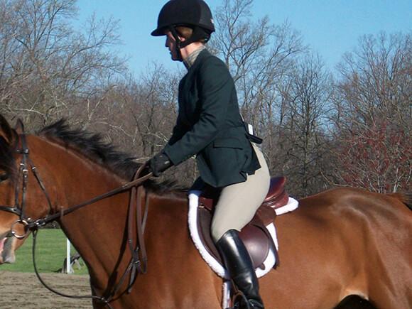 Attention à ne pas tirer sur les rênes lorsque vous demandez à votre cheval d'avancer : il risquerait de ne pas comprendre votre demande.