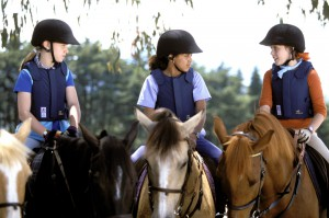 Lisa-Carole-et-Steph-a-cheval-2